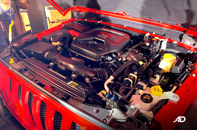 2019 Jeep Wrangler Unlimited JL engine