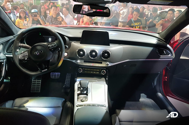 2019 Kia Stinger interior