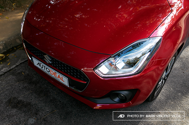 2019 suzuki swift headlight