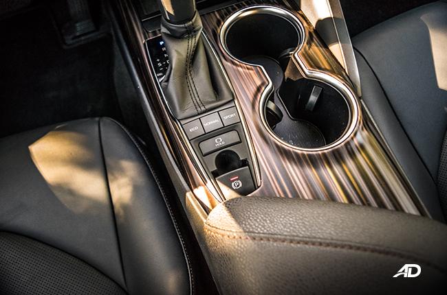 2019 Toyota Camry brake hold
