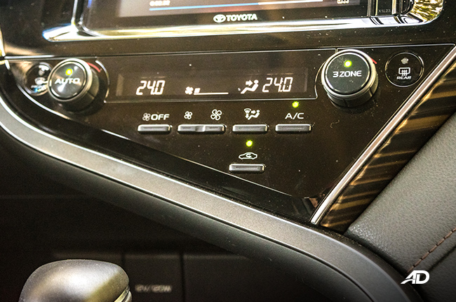 2019 Toyota Camry climate control