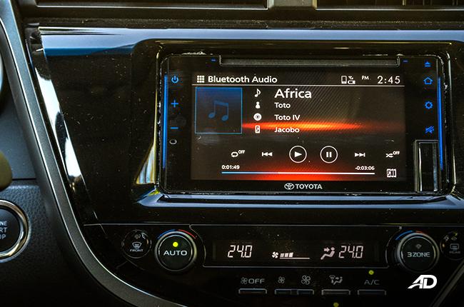 2019 Toyota Camry infotainment