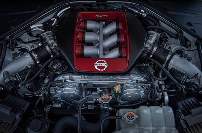 2020 Nissan GT-R NISMO engine