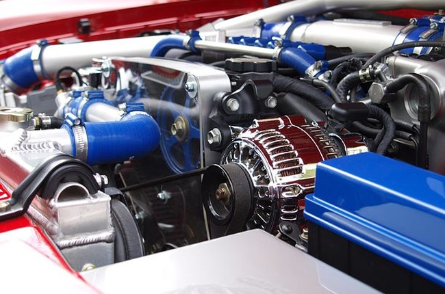 difference between turbochargers and superchargers