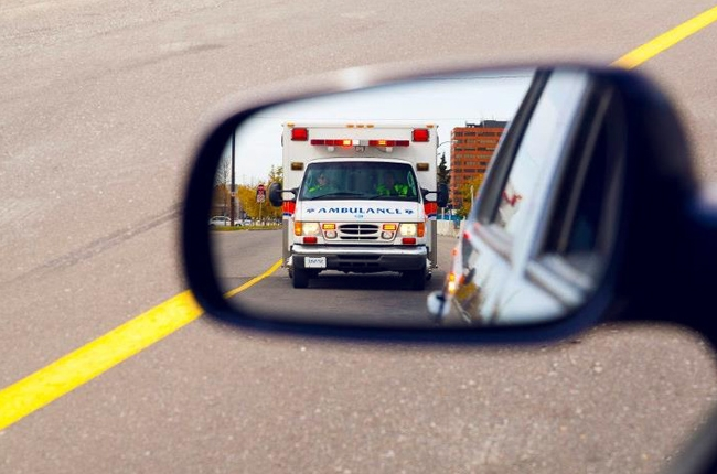 Right of Way Driving 101 Ambulance Emergency Vehicle