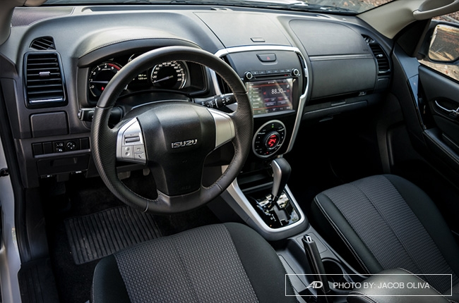 2018 Isuzu mu-x 1.9 RZ4E interior