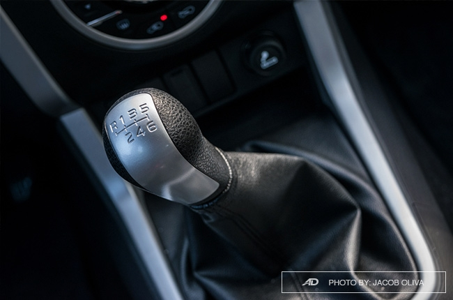 2018 Isuzu mu-X 1.9 RZ4E manual interior