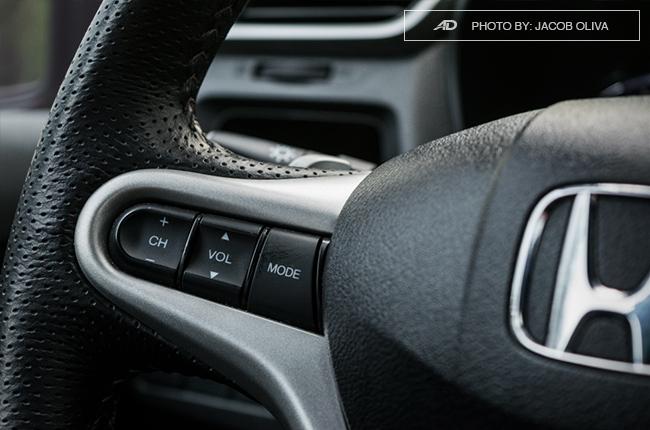 2017 Honda BR-V Modulo steering wheel buttons