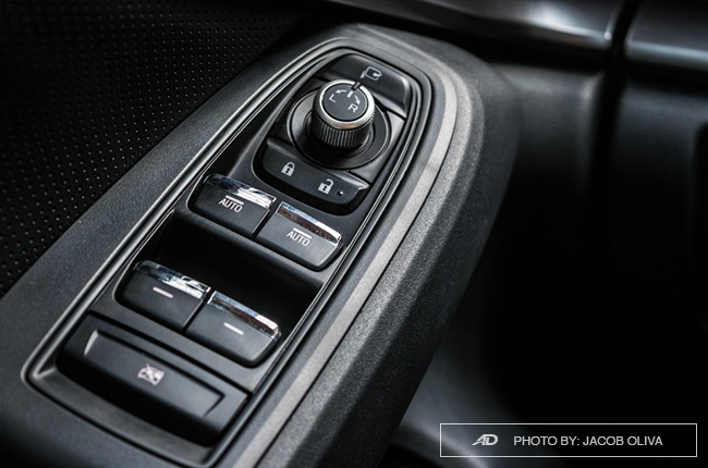 2018 Subaru Impreza door buttons