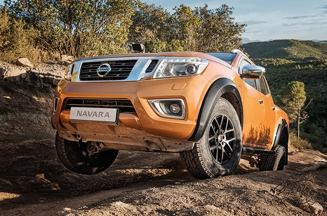 Nissan Navara AT32