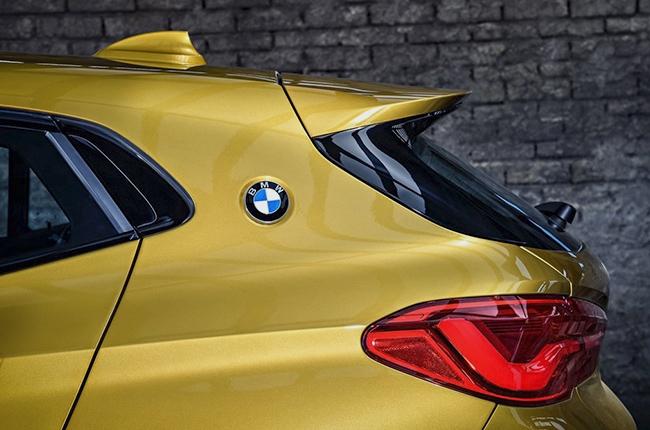 BMW X2 2018 taillight