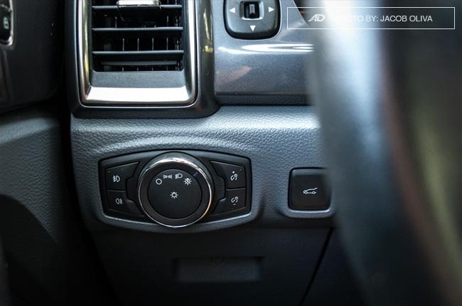 2018 ford everest 3.2 titanium+ headlights switch