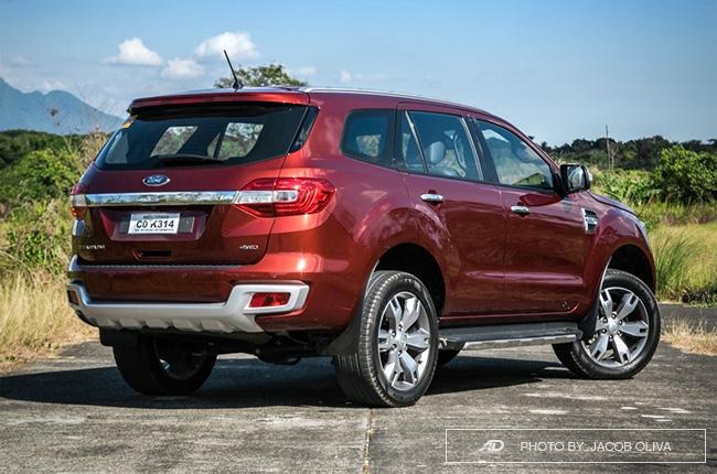 2018 ford everest 3.2 titanium+ rear quarter