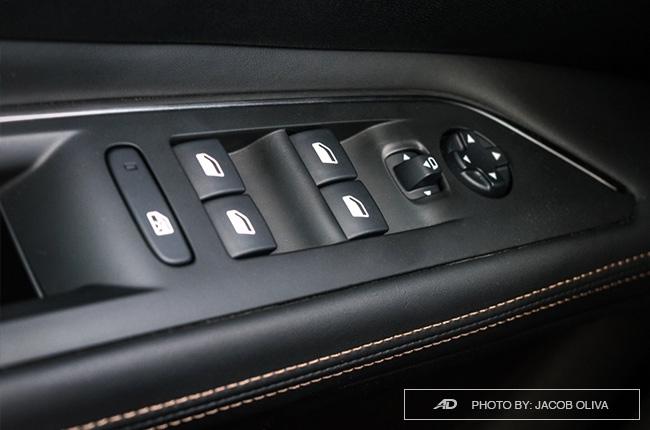 2018 Peugeot 3008 Diesel window controls