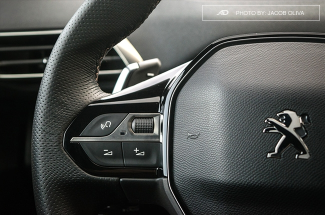 2018 Peugeot 3008 Diesel steering wheel audio controls