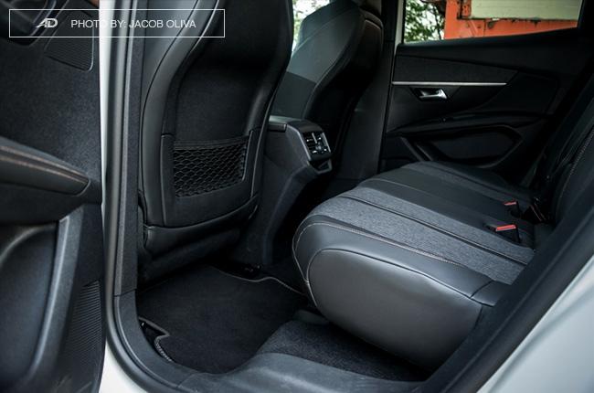 2018 Peugeot 3008 Diesel rear seats