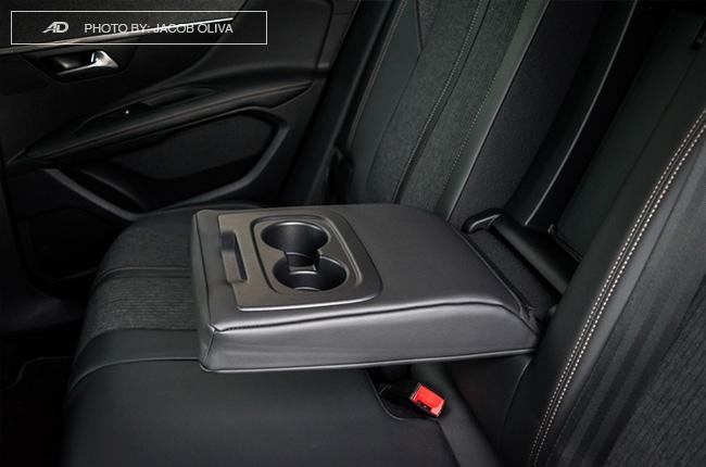 2018 Peugeot 3008 Diesel cupholders