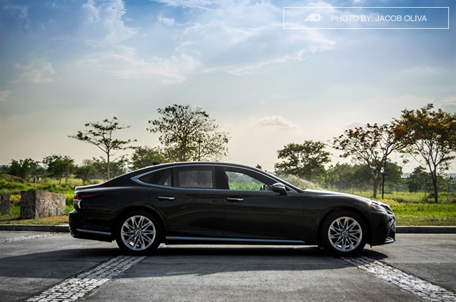 2018 lexus ls 500 side beauty