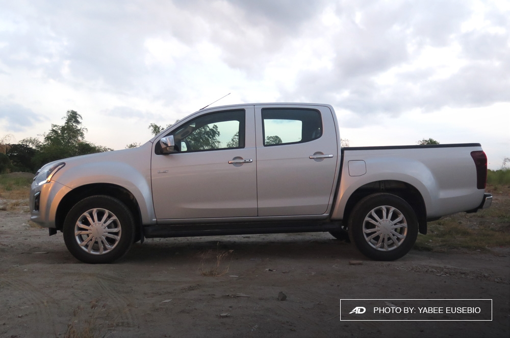 2018 Isuzu D-Max 3.0 LS AT 4x2 Blue Power Side View