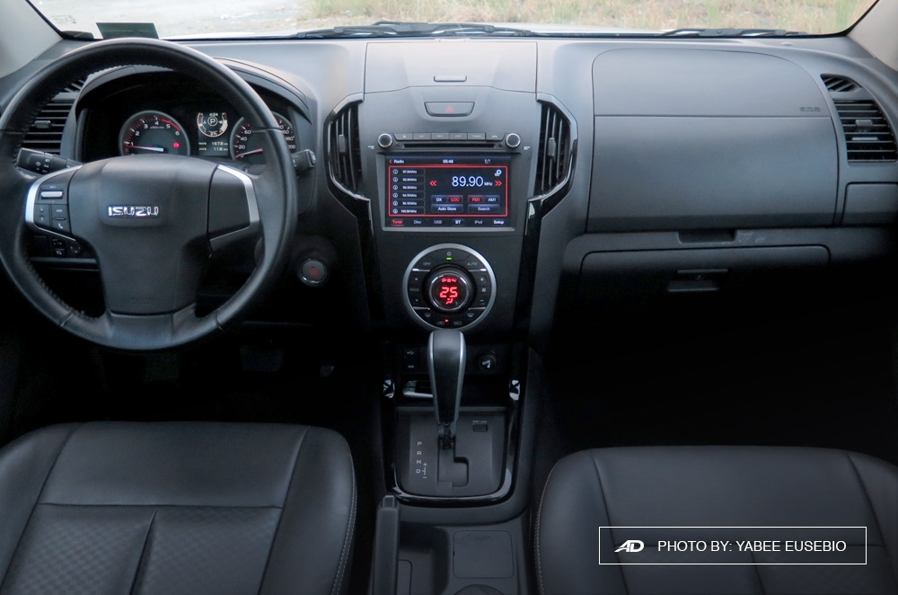 2018 Isuzu D-Max 3.0 LS AT 4x2 Blue Power Interior