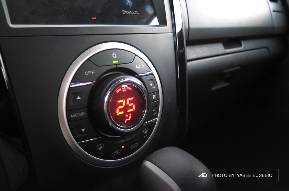 2018 Isuzu D-Max 3.0 LS AT 4x2 Blue Power Climate Controls