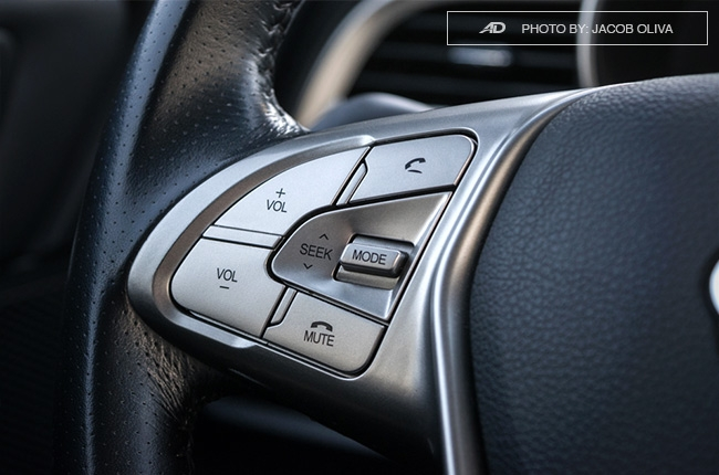 ssangyong tivoli exg review steering wheel buttons