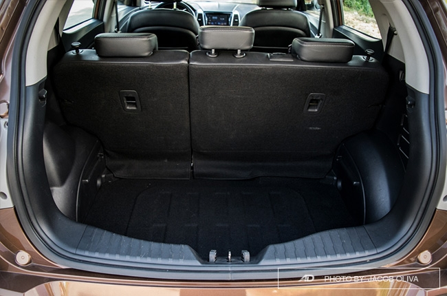 ssangyong tivoli exg review trunk