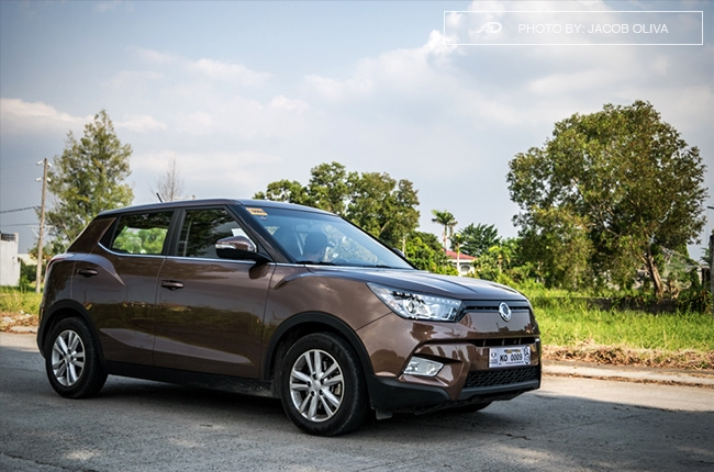 ssangyong tivoli exg review road shot