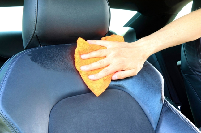microfiber cloth to clean car interior