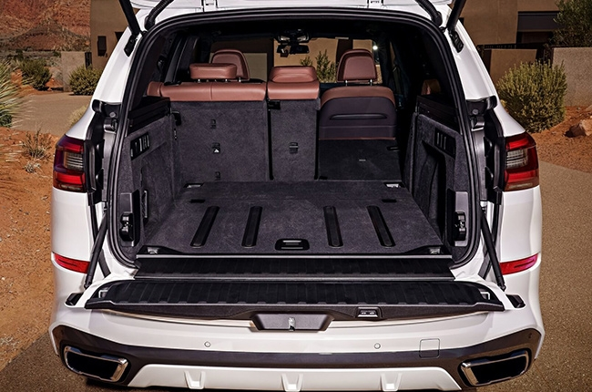 2019 BMW X5 2-section tailgate
