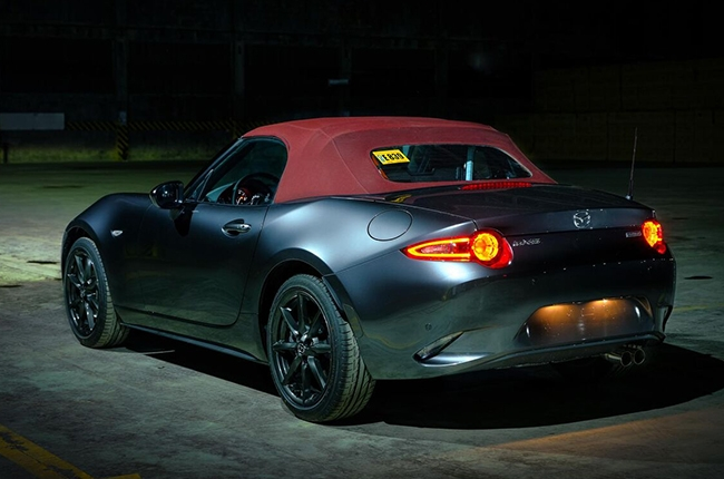 2018 MX-5 Dark Cherry Top