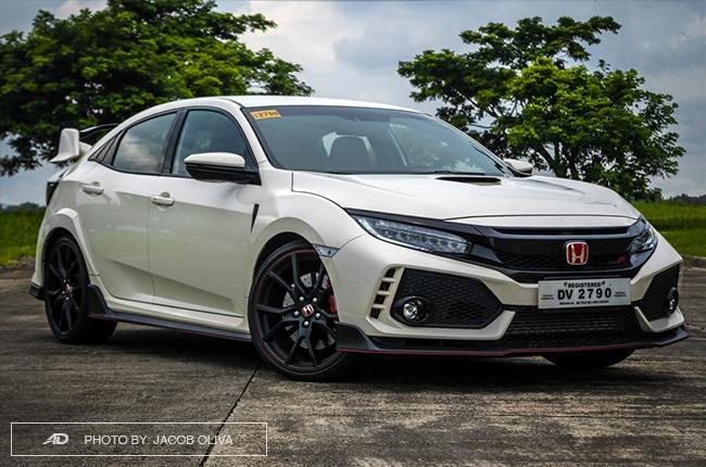 2018 Honda Civic Type R Philippines front quarter