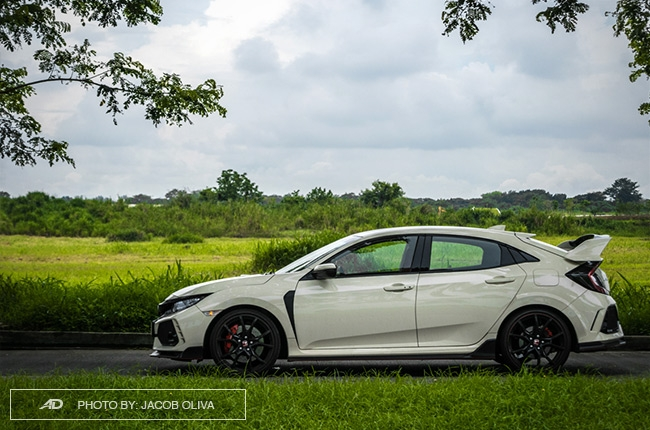 2018 Honda Civic Type R Philippines road shot side