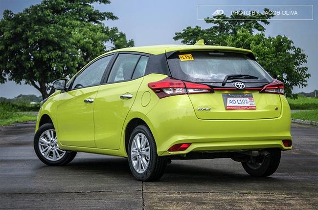 2018 toyota yaris 1.5 S rear quarter