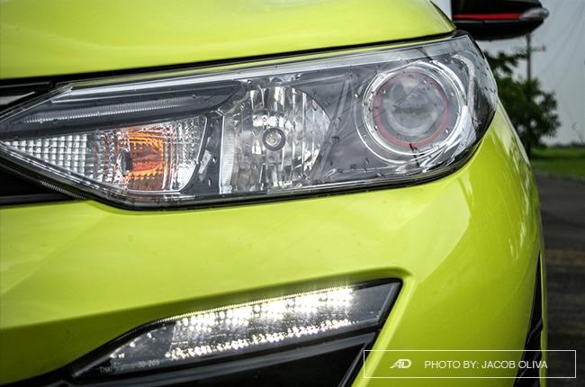 2018 toyota yaris 1.5 S headlights