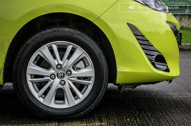 2018 toyota yaris 1.5 S wheels