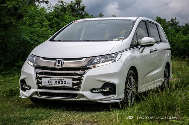 2018 Honda Odyssey Philippines review front quarter