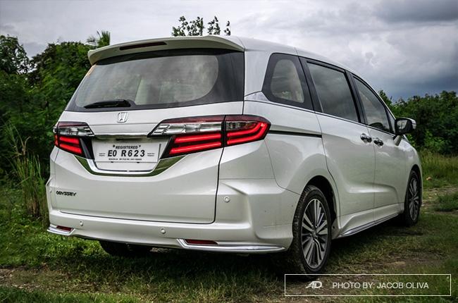 2018 Honda Odyssey Philippines review rear quarter