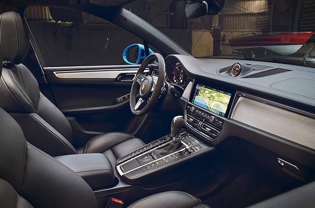 2019 Porsche Macan cabin