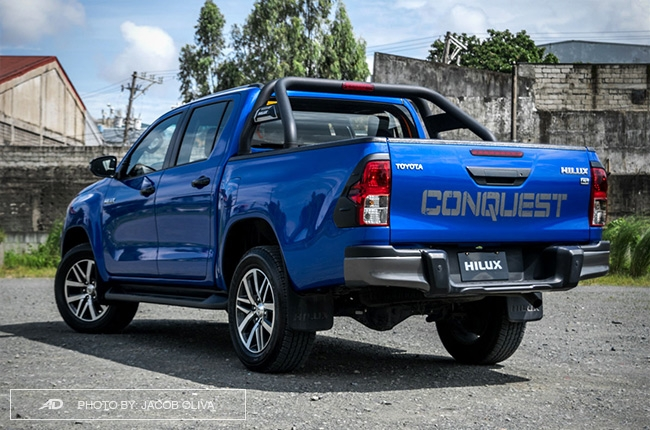 2018 Toyota Hilux Conquest rear quarter
