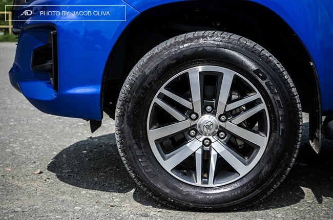 2018 Toyota Hilux Conquest wheels