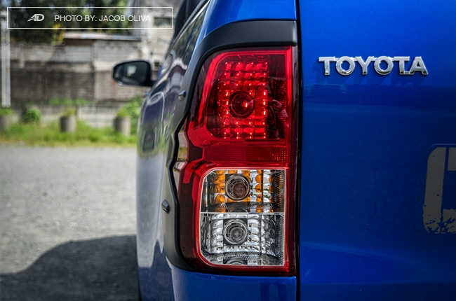 2018 Toyota Hilux Conquest taillights