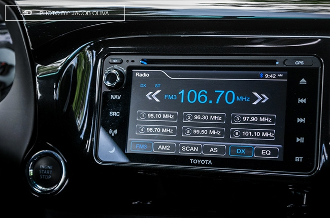 2018 Toyota Hilux Conquest touchscreen infotainment