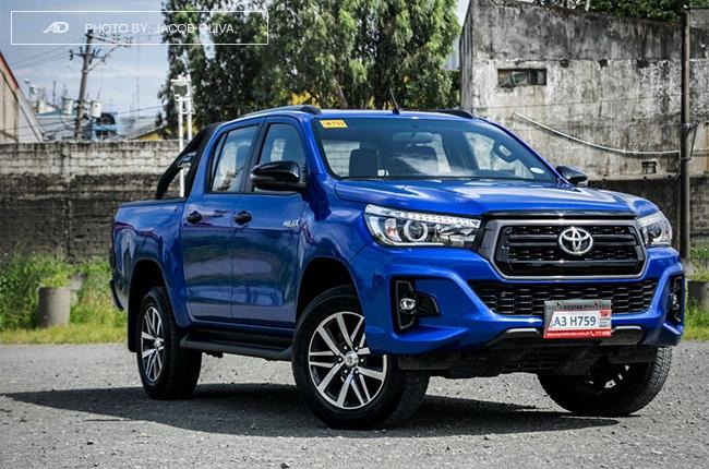 2018 Toyota Hilux Conquest quarter