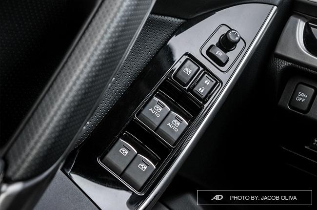 Subaru Forester XT door controls