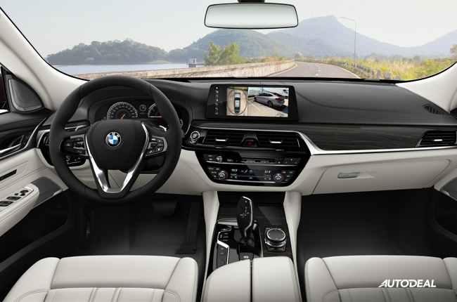 BMW 6 Series Gran Turismo cockpit