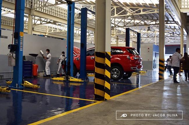 Ford vehicle maintenance service bay