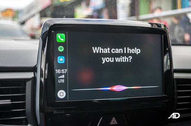 Apple CarPlay Siri
