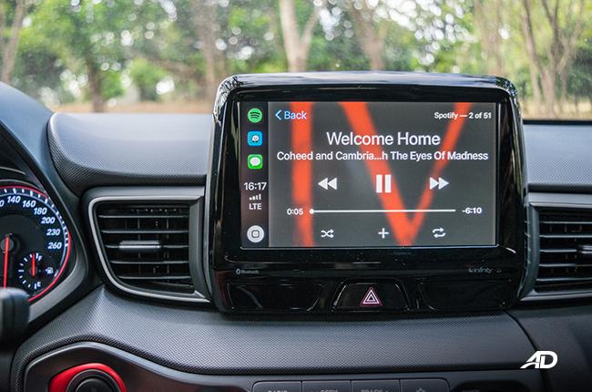 Apple CarPlay Spotify