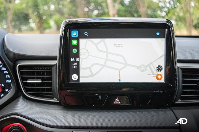 Apple CarPlay Waze